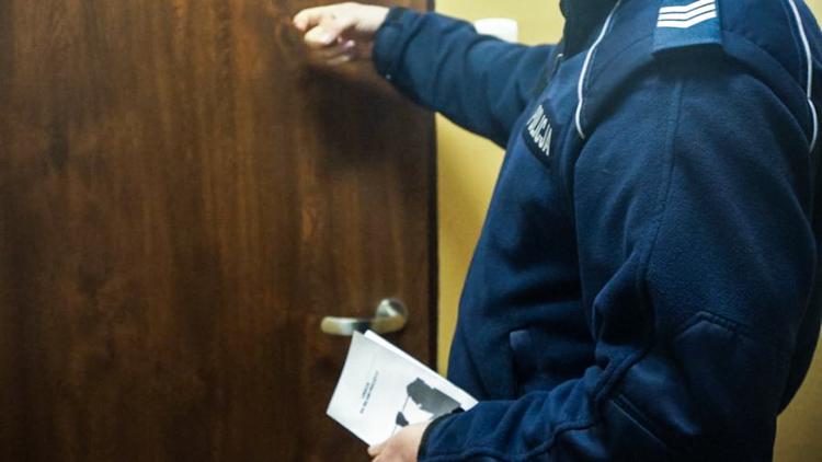 Zanim oddał znalezisko, zapukali do niego bełchatowscy policjanci. Zguba wróciła już do właściciela  - Zdjęcie główne