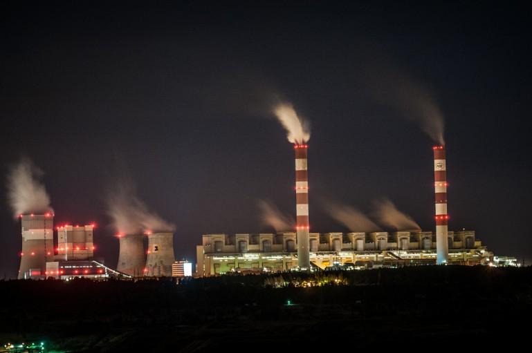 Nowa spółka energetyczna przyniesie miliardowe straty?  ''Minister zachowuje się jak hojny wujek'' - Zdjęcie główne