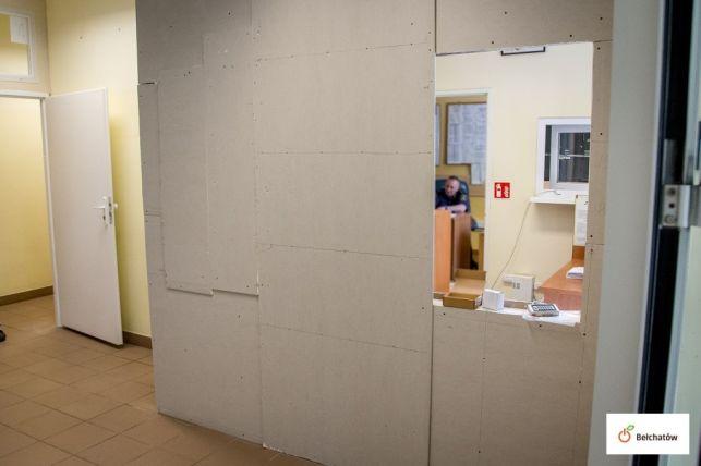 Strażnicy miejscy z Bełchatowa chcą pracować bezpieczniej. Doczekali się remontu siedziby  - Zdjęcie główne