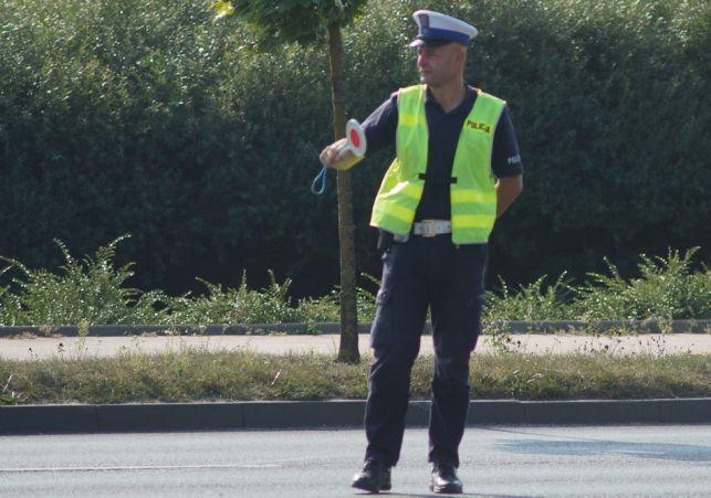 """""""Łapali"""" na ul. Staszica. Kierowcy zaskoczeni tym, co proponowali policjanci zamiast mandatu [FOTO] - Zdjęcie główne"""
