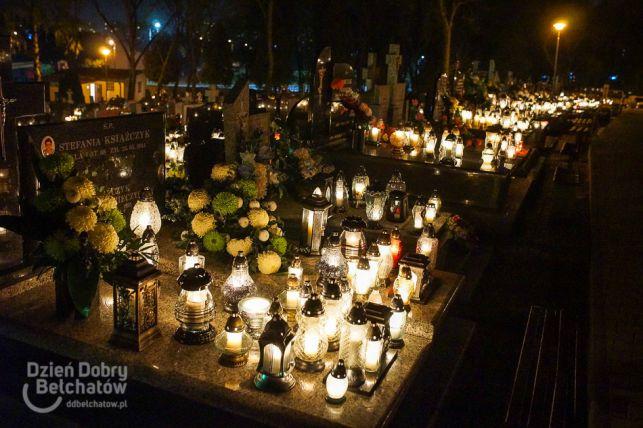 Tysiące płomieni rozświetliło bełchatowską nekropolię. Zobacz jak wspaniale wyglądał cmentarz nocą [FOTO] - Zdjęcie główne