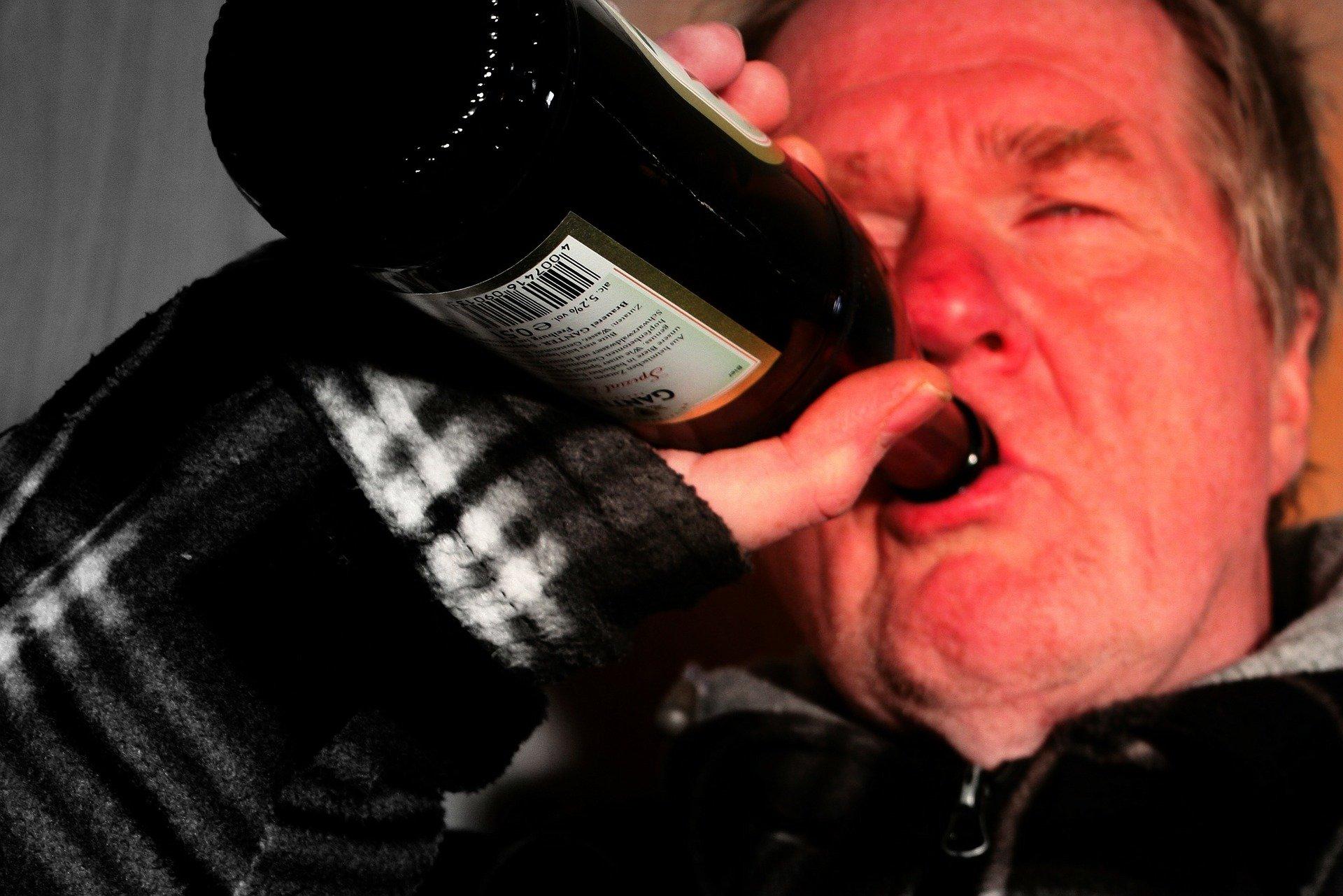 Alkoholizm – objawy i leczenie - Zdjęcie główne