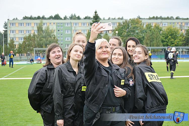 Zawody strażackie na stadionie PCS w Bełchatowie. Zobacz, jak wyglądała rywalizacja [FOTO] - Zdjęcie główne