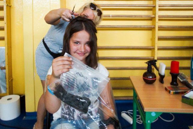 Dzieci z Bełchatowa oddadzą swoje włosy chorym na raka. Akcja już 7 czerwca! - Zdjęcie główne