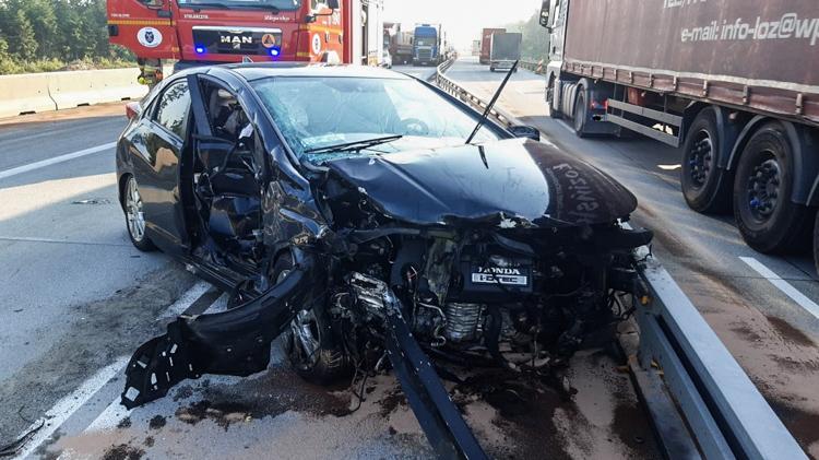 Mężczyzna zasnął za kierownicą. To kolejny wypadek w tym miejscu [FOTO] - Zdjęcie główne