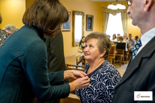 """Medale Prezydenta RP za długoletnie małżeństwo.  """"Złote gody"""" w Bełchatowie [FOTO] - Zdjęcie główne"""