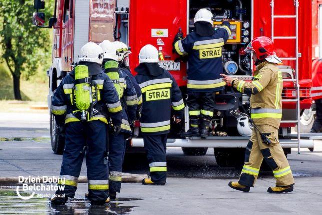 Piorun uderzył w ''orlika''. Na miejsce wezwano straż pożarną - Zdjęcie główne
