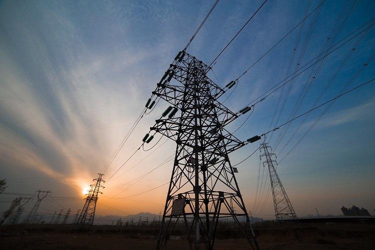 Wielogodzinne wyłączenia prądu w Bełchatowie i okolicach. Nawet 10 godzin bez energii - Zdjęcie główne