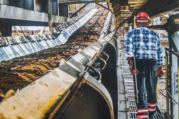 Policzyli ile ubędzie miejsc pracy w kopalni i elektrowni. To początek końca ery węgla w Bełchatowie... - Zdjęcie główne