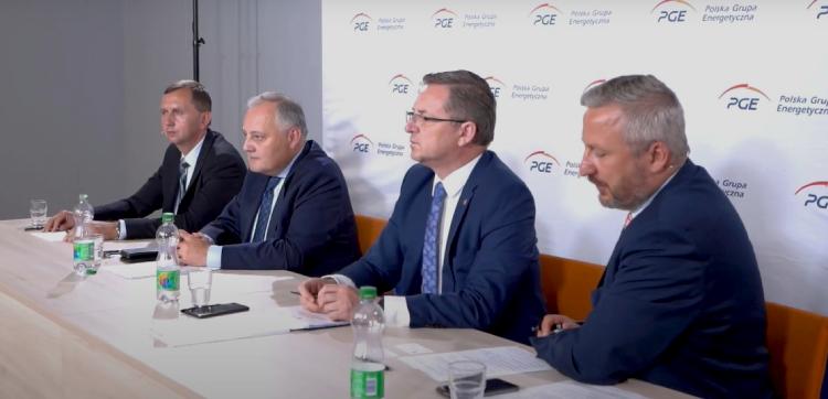"""Debatowali o przyszłości Bełchatowa. Były premier: """"Bruksela patrzy życzliwie na polskie plany'' - Zdjęcie główne"""