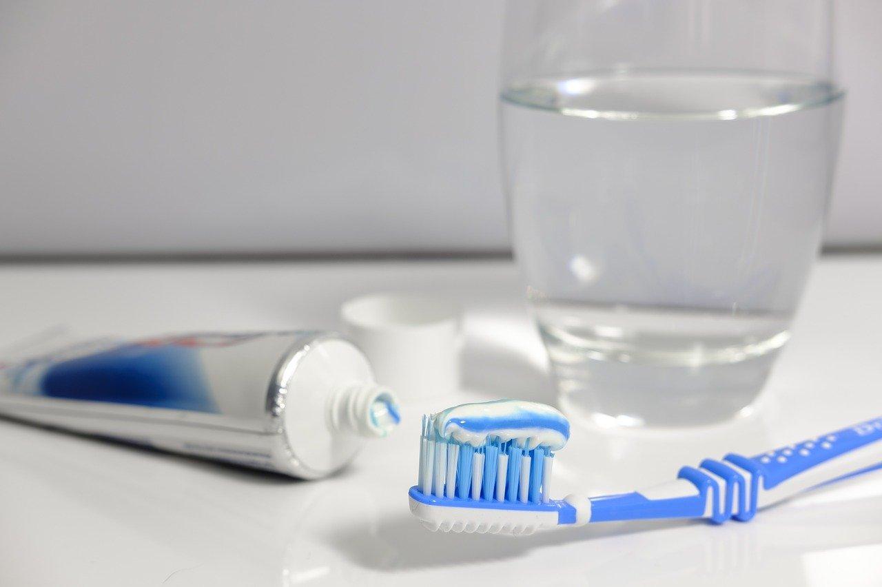 Prawidłowa higiena jamy ustnej – krok po kroku - Zdjęcie główne
