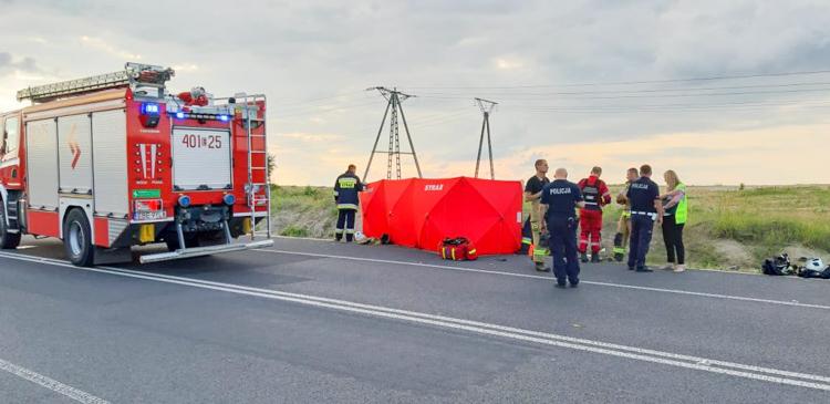 Tragedia na drodze w Kleszczowie. Nie żyje 20-letni motocyklista [FOTO] - Zdjęcie główne