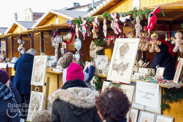 Jarmark Świąteczny na placu Narutowicza. Zobacz, co oferują barwne stoiska [FOTO] - Zdjęcie główne