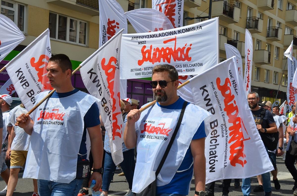 Kilka tysięcy górników i energetyków protestowało w stolicy. Wśród nich wielu związkowców z Bełchatowa [FOTO] - Zdjęcie główne