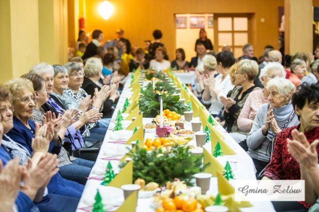 Wigilia dla osób starszych i samotnych w Zelowie [FOTO] - Zdjęcie główne