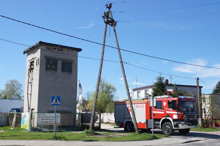 Zapalił się transformator na osiedlu Olsztyńskim. Pół Bełchatowa bez prądu [FOTO] - Zdjęcie główne