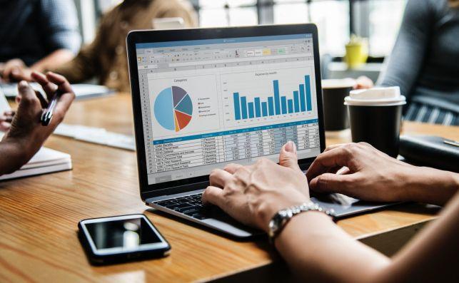 Dowiedz się, jak wywołać pozytywny szum wokół Twojej firmy w internecie. Zainwestuj w pozycję swojej strony w Google - Zdjęcie główne
