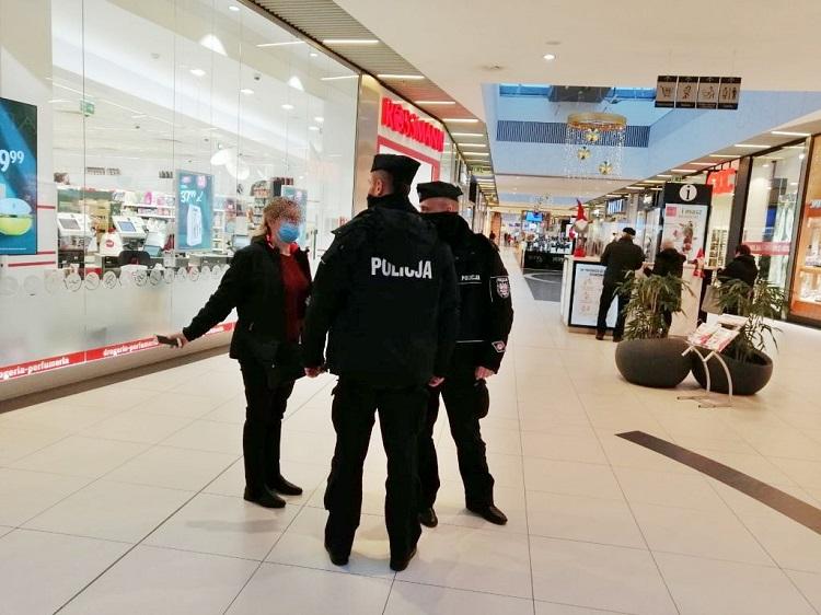 Dodatkowe patrole policji w Bełchatowie. Samorząd przekazał pieniądze dla komendy - Zdjęcie główne