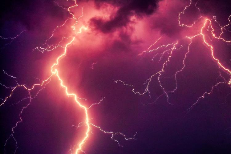 Uwaga na burze z gradem. Wydano ostrzeżenie dla całego regionu - Zdjęcie główne