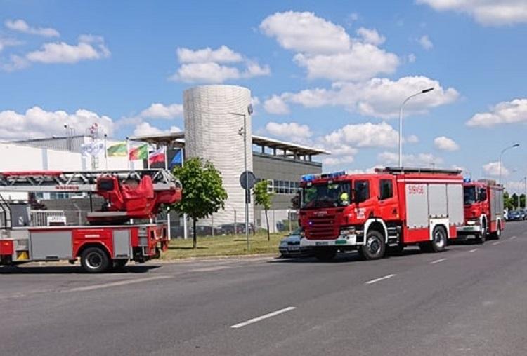 Zapalił się gaz w kleszczowskim zakładzie. Strażacy ewakuowali ponad 100 osób [FOTO] - Zdjęcie główne