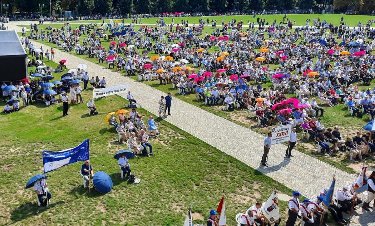 Prezesi, dyrektorzy i pracownicy PGE wzięli udział w 36. pielgrzymce energetyków - Zdjęcie główne