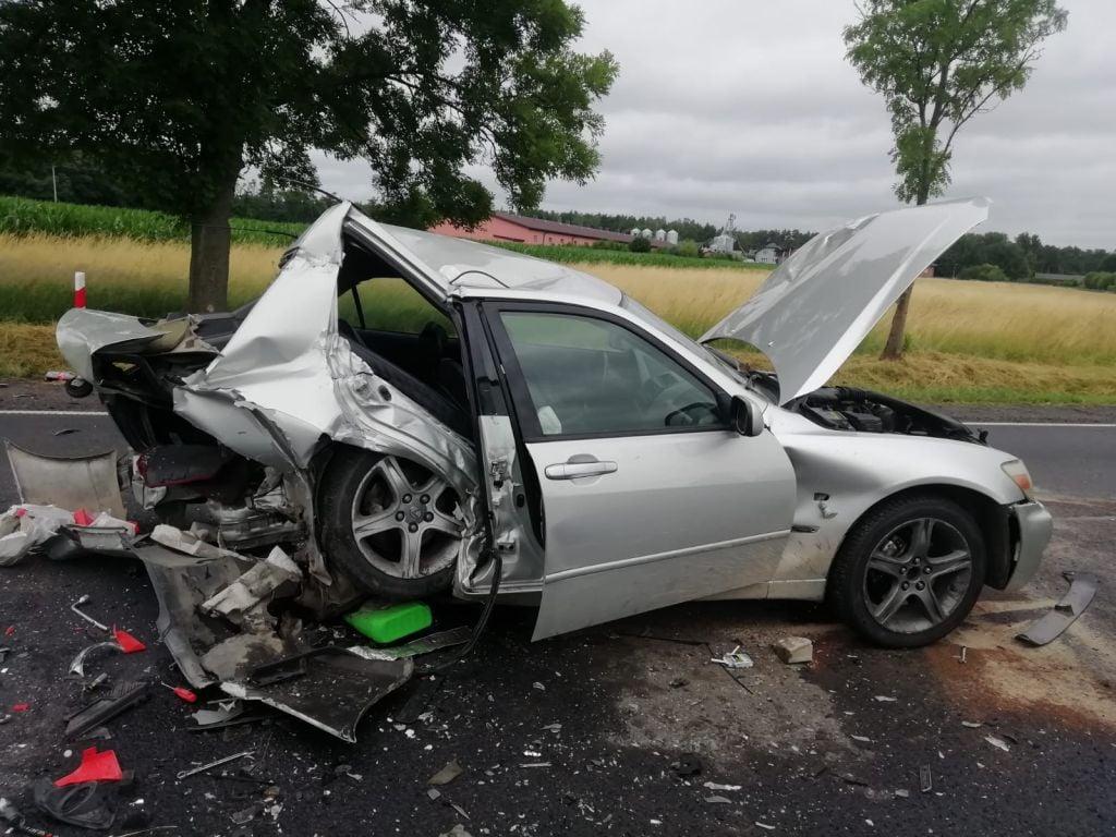 Tragiczne wieści po wypadku w Wielopolu. Nie żyje jeden z kierowców - Zdjęcie główne
