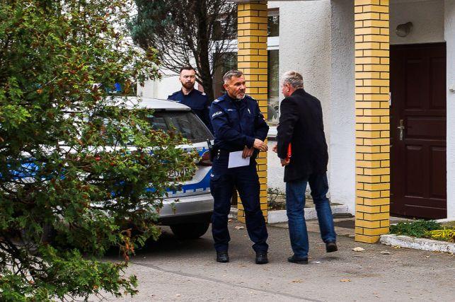 Alarm bombowy w bełchatowskim sanepidzie! Pirotechnicy na miejscu - Zdjęcie główne