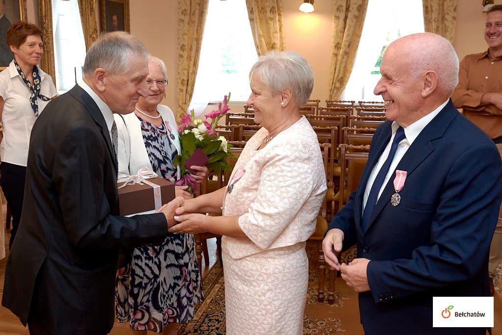 Bełchatowskie pary świętowały Złote Gody. Opowiedzieli o historii swojej miłości [FOTO] - Zdjęcie główne