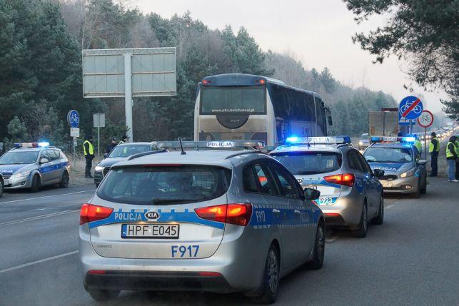 Kolejny protest kibiców GKS Bełchatów. Tym razem zablokowali aż 4 drogi prowadzące do kopalni i elektrowni - Zdjęcie główne