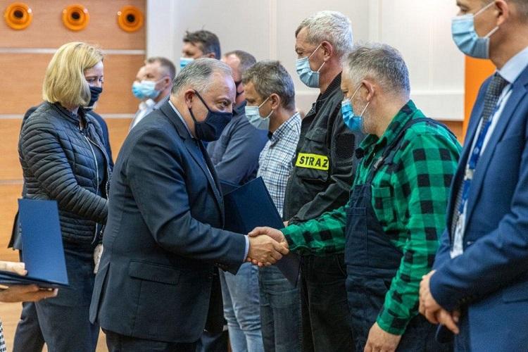Prezes Dąbrowski spotkał się z załogą elektrowni. Będą premie za szybkie uruchomienie bloków? [FOTO] - Zdjęcie główne