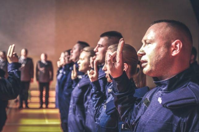 Nowi policjanci w bełchatowskiej komendzie - Zdjęcie główne