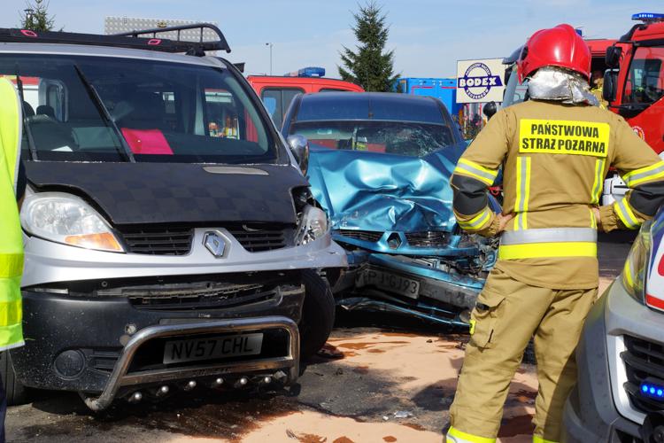 Z ostatniej chwili: Dwa samochody zderzyły się pod Szczercowem. Utrudnienia w ruchu [FOTO] - Zdjęcie główne