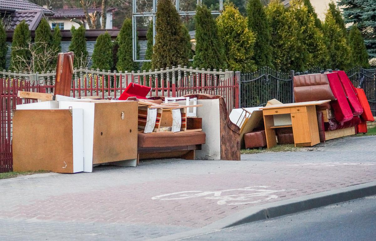 Zbiórka wielkogabarytów w Bełchatowie. Kiedy odbiorą odpady?  - Zdjęcie główne