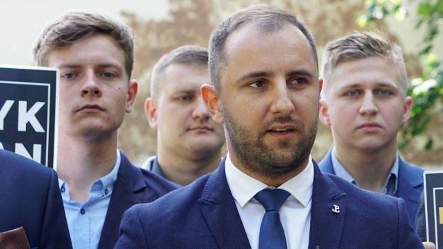 Patryk Marjan zdradza z czym idzie do wyborów i krytykuje konkurentów politycznych: ''posłowie PiS są tylko palcami do głosowania'' - Zdjęcie główne