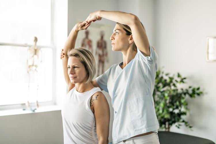 Ile kosztuje fizjoterapeuta i kiedy warto się do niego udać? - Zdjęcie główne