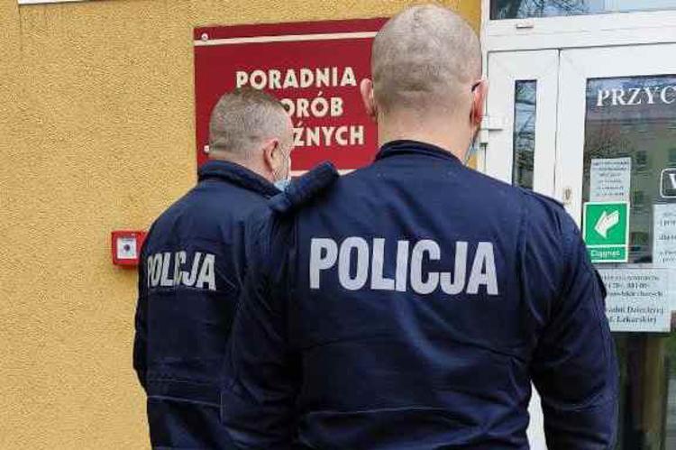 Trwają policyjne kontrole w Bełchatowie. Mają zapobiec aktom agresji - Zdjęcie główne