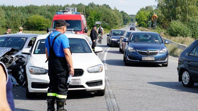 Wypadek pod Kleszczowem. Jedna osoba w szpitalu [FOTO] - Zdjęcie główne