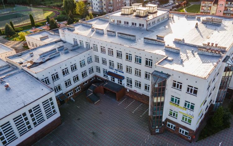 Magistrat planuje inwestycję w bełchatowskiej szkole. Roboty ruszą już w wakacje  - Zdjęcie główne