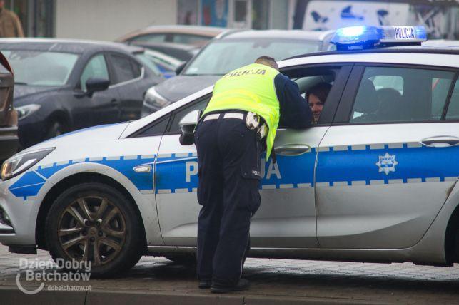 Bełchatowscy policjanci podsumowali długi weekend. Nie obyło się bez wypadków i rannych - Zdjęcie główne