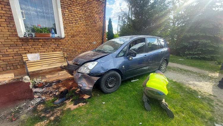 Ranny 11-latek trafił do szpitala w Bełchatowie. Wszystko przez pijanego kierowcę [FOTO] - Zdjęcie główne