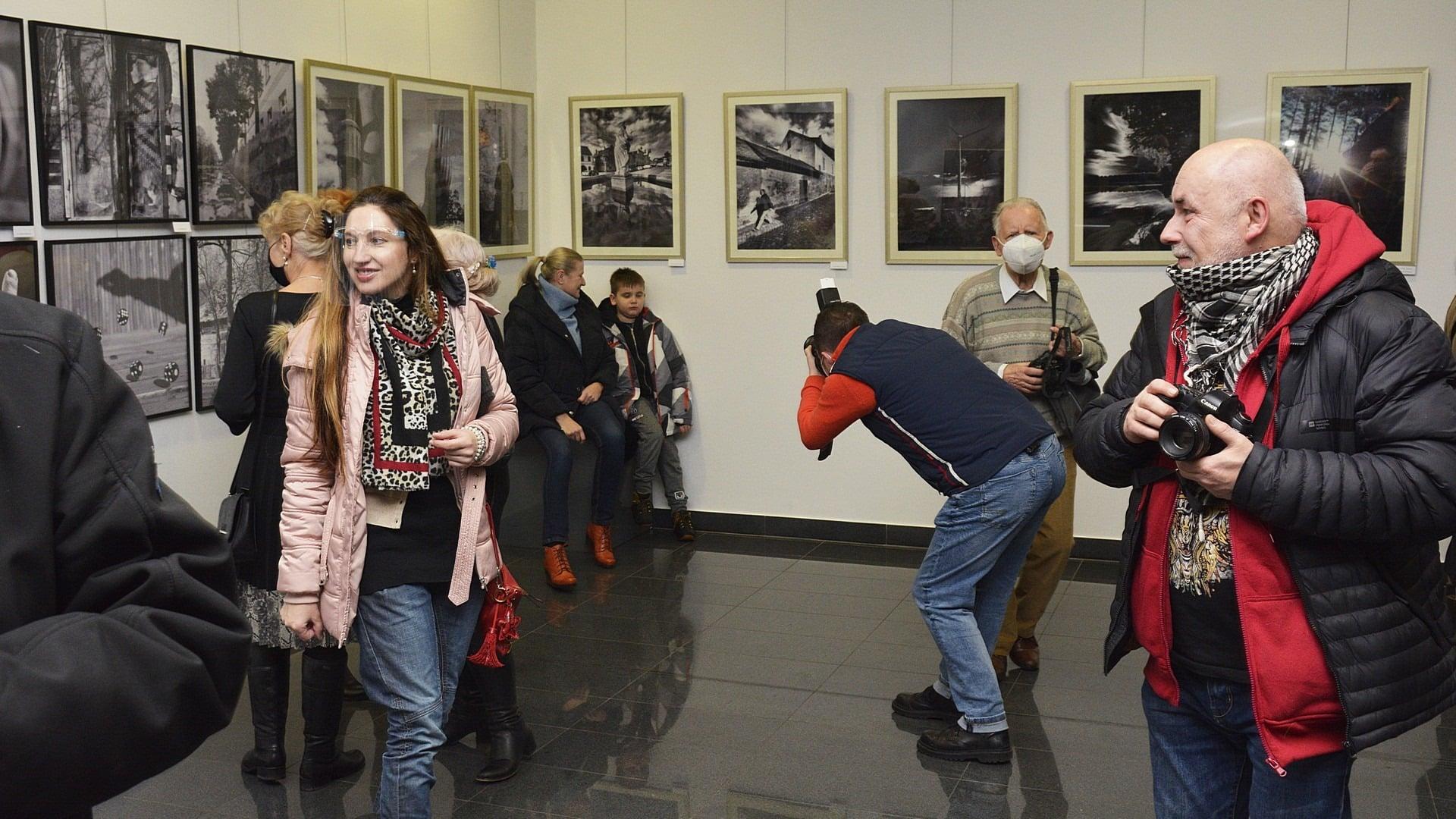 Można już podziwiać wystawę BTF-u. Na bełchatowian czeka około sześćdziesięciu prac - Zdjęcie główne