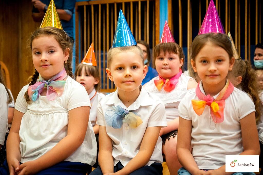 Wielkie urodziny w bełchatowskim przedszkolu. Jubilat skończył 90 lat! [FOTO] - Zdjęcie główne