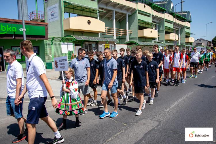 Zapłonął znicz, olimpiada w Bełchatowie rozpoczęta. Młodzi siatkarze rywalizują o zwycięstwo [FOTO] - Zdjęcie główne