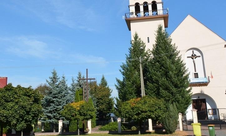 Starostwo w Bełchatowie przekazało pieniądze dla parafii na... fotowoltaikę - Zdjęcie główne