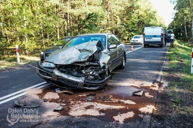 Wypadek na łuku drogi. Kobieta i dziecko w szpitalu [FOTO] - Zdjęcie główne