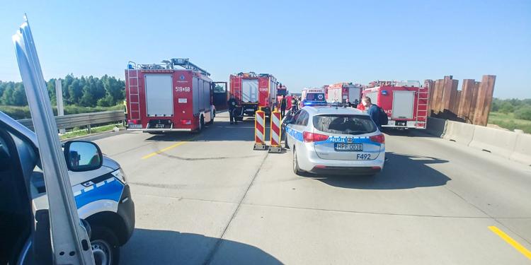 Groźny wypadek z udziałem czterech aut. Wezwano śmigłowiec LPR - Zdjęcie główne