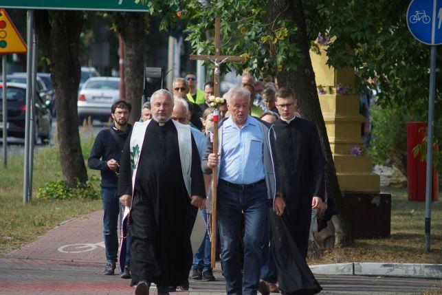 Wierni z Bełchatowa znów przejdą ulicami miasta. XXIII Męski Różaniec już w sobotę  - Zdjęcie główne