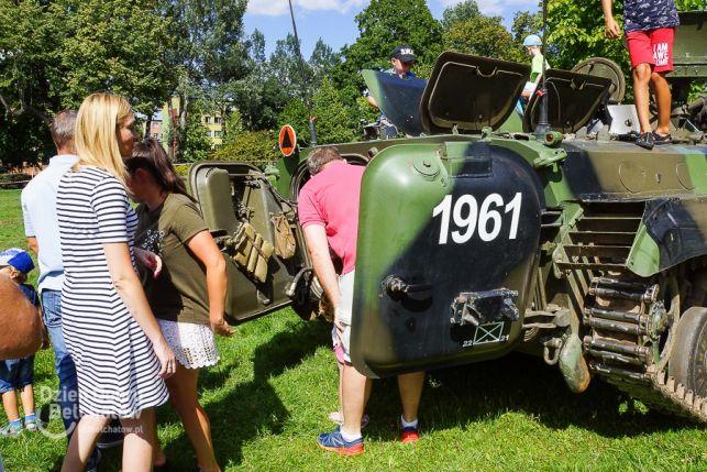 Spotkanie z historią. W centrum miasta trwa Piknik militarno - historyczny [FOTO] - Zdjęcie główne