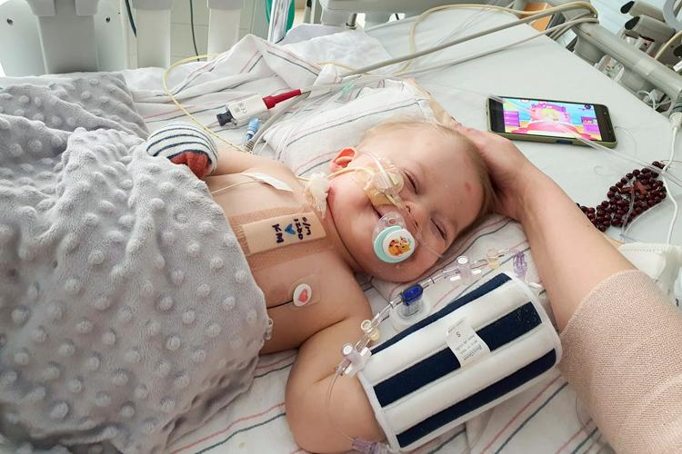 Rodzice małego Wiktorka przekazali wieści po operacji w USA. ''Pojawił się uśmiech na twarzy'' - Zdjęcie główne