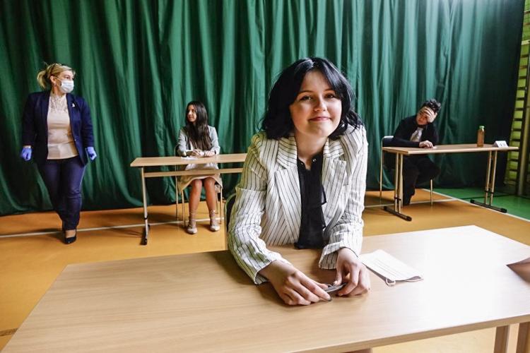 Egzamin ósmoklasisty w gminie Bełchatów. Z czym mierzyli się uczniowie? [FOTO] - Zdjęcie główne